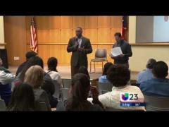 Univision Coverage of Congressman Veasey's ACA Outreach Efforts (SPANISH)