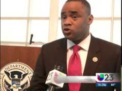 Congressman Veasey Delivers Keynote at U.S. Naturalization Ceremony (SPA)